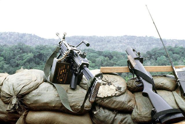 File:M249 FN MINIMI DM-ST-90-02821.jpg