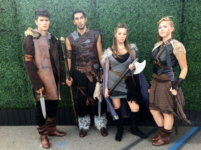 File:SDCC 2015 Vikings and Shield Maidens 001.jpg