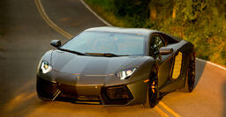 Transformers-age-of-extinction-lamborghini-aventador-lp-700-4-coupe-lockdown
