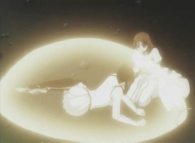 File:Orihime heals Loly.jpg