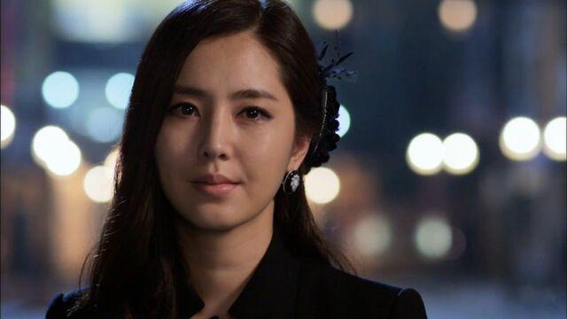 File:Mynamechaehongjoo.jpg