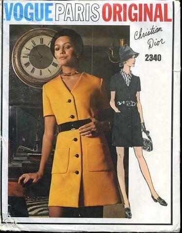 File:Vogue2340.jpg
