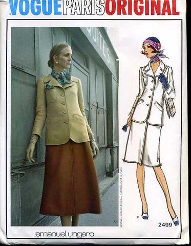 File:Vogue2499.jpg