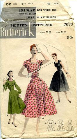 File:Butterick 7675 front.jpg