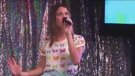 Violetta-2-vilu-e-leon-cantano-al-karaoke-podemos 7504773-16540 640x360