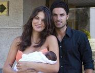 Mikel-Arteta-and-Lorena-Bernal-wags-8817473-409-314