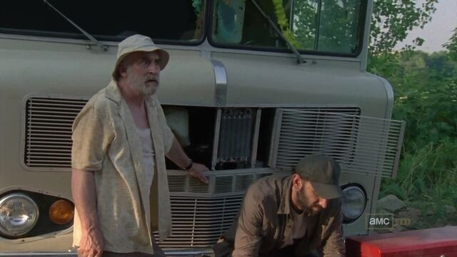 File:Dale and Jim and RV.jpg