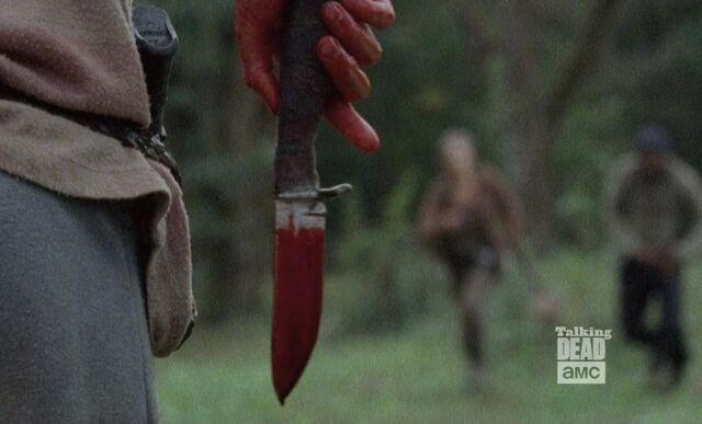 File:Twd-s04e14-bloody-knife.jpg