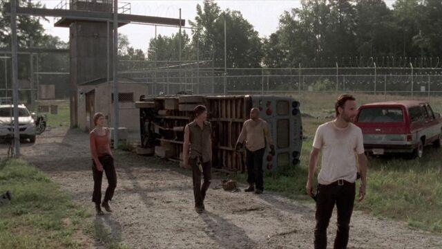 File:Rick, Carol, T and Daryl courtyard.jpg