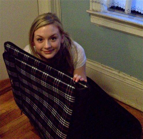 File:Emily Kinney with a plaid cloth.jpg