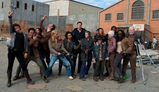 File:Walking-dead-season-3-cast-650x377.jpg