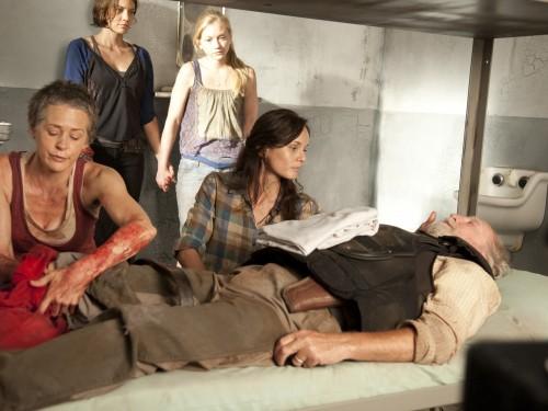 File:Maggie, Beth, Carol, Lori, and Hershel.jpg
