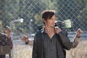 The-walking-dead-norman-reedus-season-3-episode-15-this-sorrowful-life-600x399