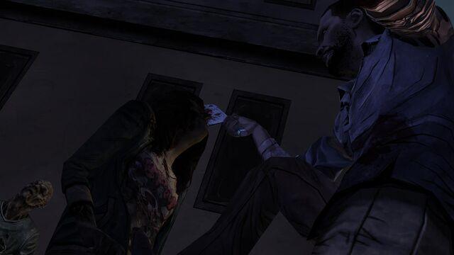 File:WalkingDead101 2012-11-22 07-42-41-78.jpg