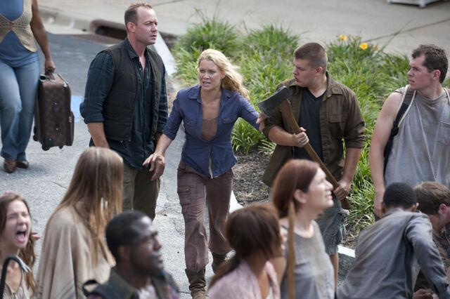 File:Walking-Dead-309-16.jpg