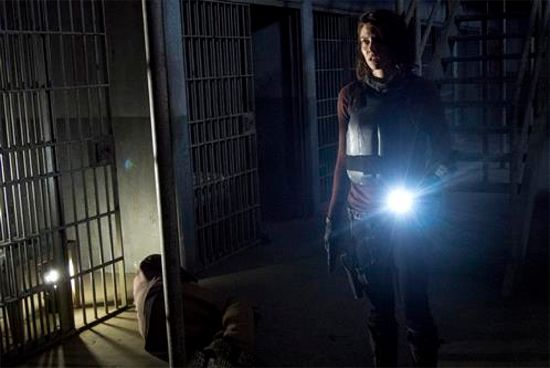 File:The-walking-dead-internment-maggie.jpg