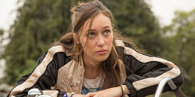 File:Alycia-Debnam-Carey-in-Fear-the-Walking-Dead-Season-1-Episode-5.jpg