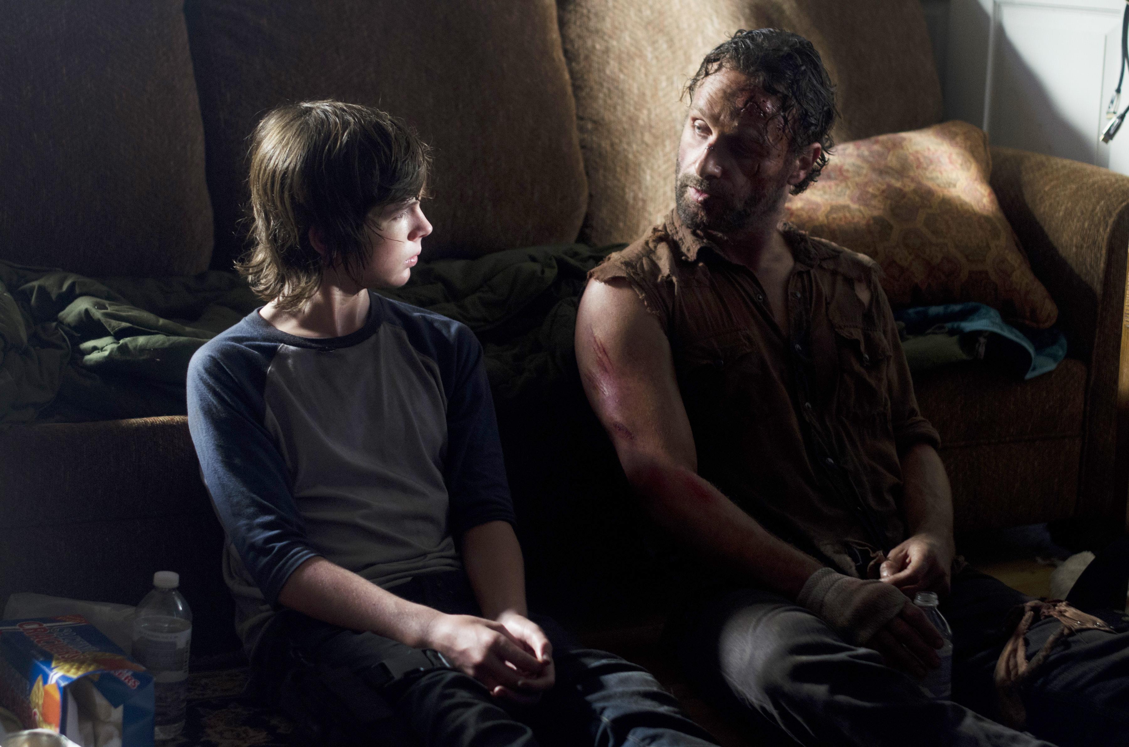 File:Rick-carl-the-walking-dead-season-4-episode.jpg