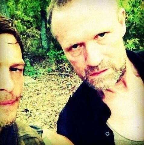 File:Michael-Rooker-and-Norman-Reedus-daryl-and-merle-dixon-32321465-500-503.jpg