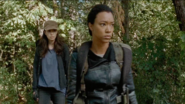 Sasha Williams and Rosita Espinosa continue with the mission 7x14