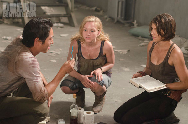 File:Beth, Maggie, and Glenn.jpg