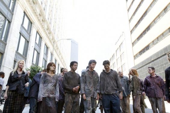 File:Walkers In Atlanta, 1.jpg
