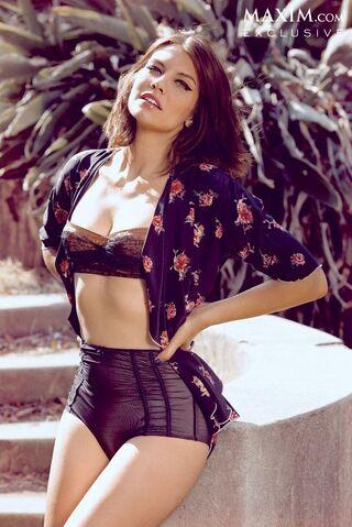 File:Lauren Cohan sexy maxim pic 1.JPG