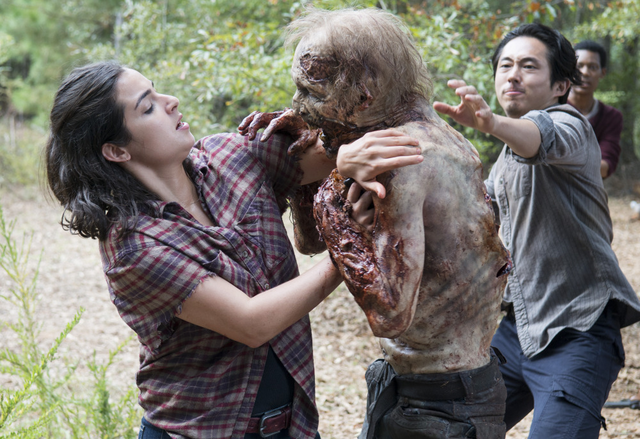 File:AMC 512 Glenn Helps Tara.png