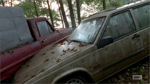 File:5x09 Wrecked Van.png