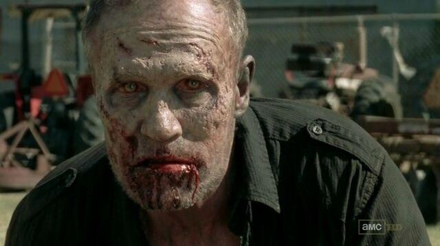 File:Merle zombie 3x15.jpg