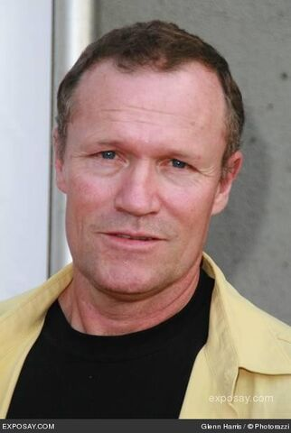 File:Michael-rooker-32nd-annual-saturn-awards-arrivals-dHQP9x.jpg
