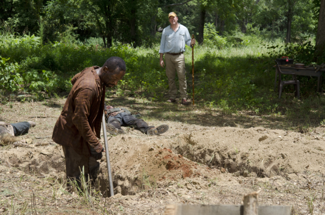File:AMC 604 Morgan Digging Grave 2.png