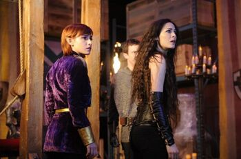 WAREHOUSE-13-Dont-Hate-the-Player-Season-3-Episode-6-7-550x365