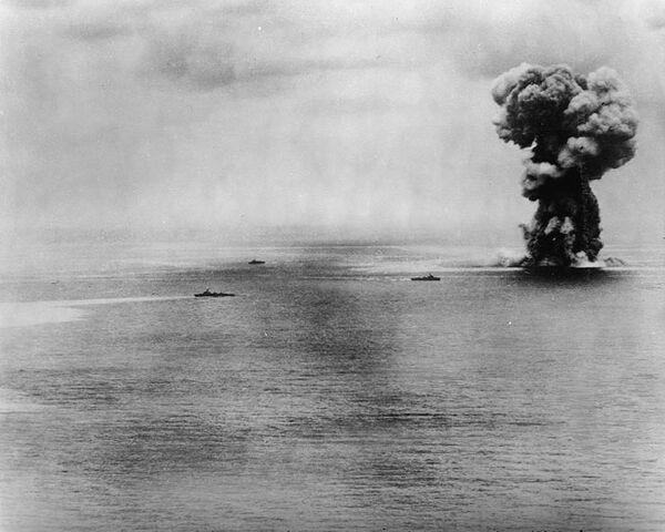File:Yamato battleship explosion.jpg