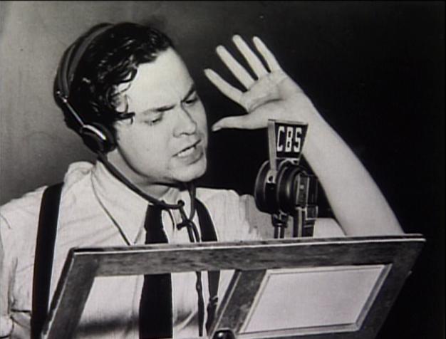 File:Orson-welles-radio.png