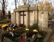 Cmentarz Powązkowski (nagrobek rodziny Grabskich)