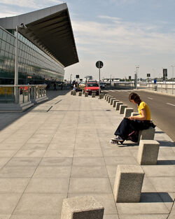 Terminal 2 pasazer.jpg