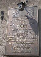 Aleja Jana Pawla II (budynek nr 58, tablica, powstanie warszawskie, zgrupowanie Gurt)