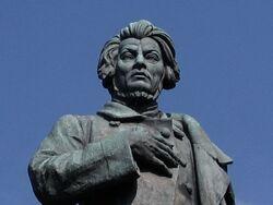 Pomnik mickiewicza.jpg