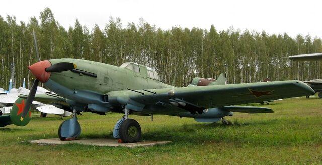 File:Ilyushin-Il-10-Beast-PCropper-1S.jpg