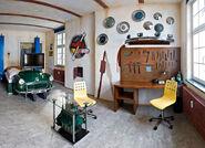 V8-Hotel-Workshop-Themed-Bedroom-Inspirations