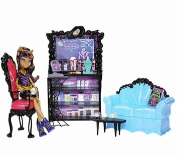 File:Clawdeen's Bedroom or Living Room.jpg