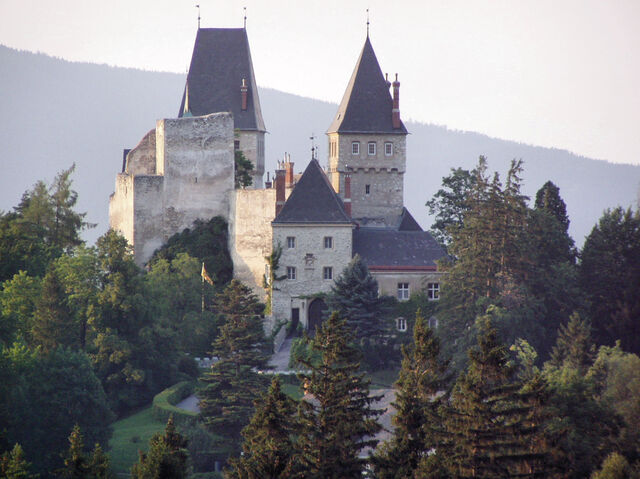 File:Wartenstein castle, Lower Austria.jpg