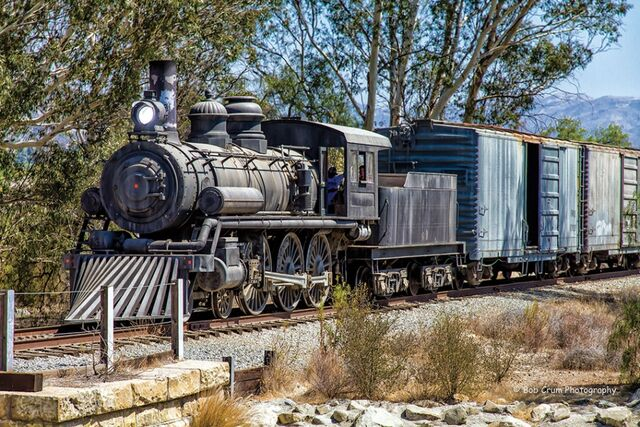 File:2-Disney-steamer LRE-0003-4-EM-X1-G-09-25-13.jpg