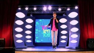 """Violetta - The students sing """"Destined to Shine"""".-1"""