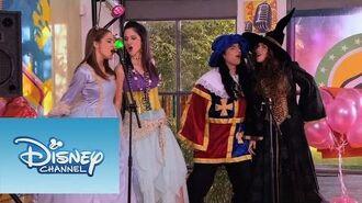 Violetta Momento musical - ¨Algo suena en mi¨ en la fiesta de disfraces