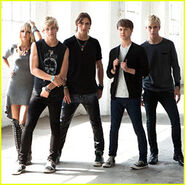 R5-louder-official-stream