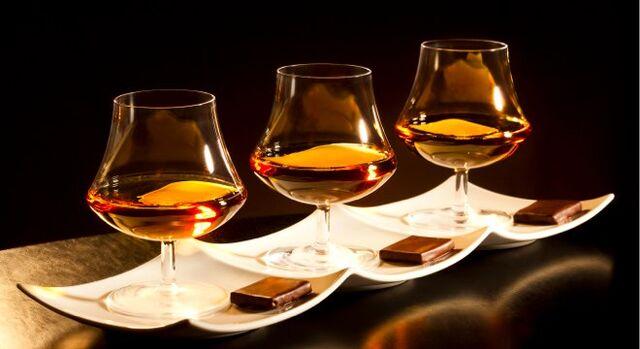 File:Scotch and Chocolate Flight.jpg