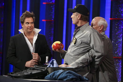 File:WLIIA?- Michael Weatherly guest stars.jpg