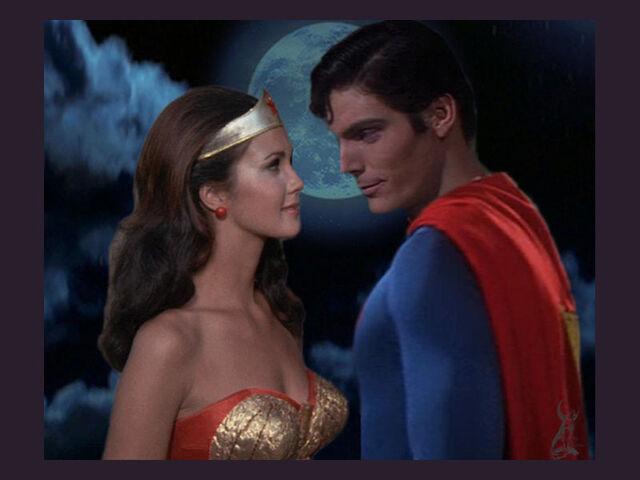 File:Wonderwoman-superman.jpg